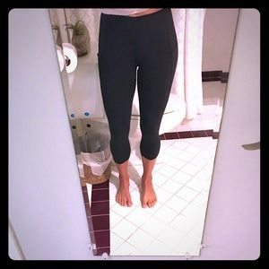 Lululemon crop tight with side pocket